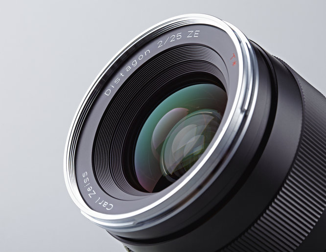 carl-zeiss-distagon-tstar-f2-25mm