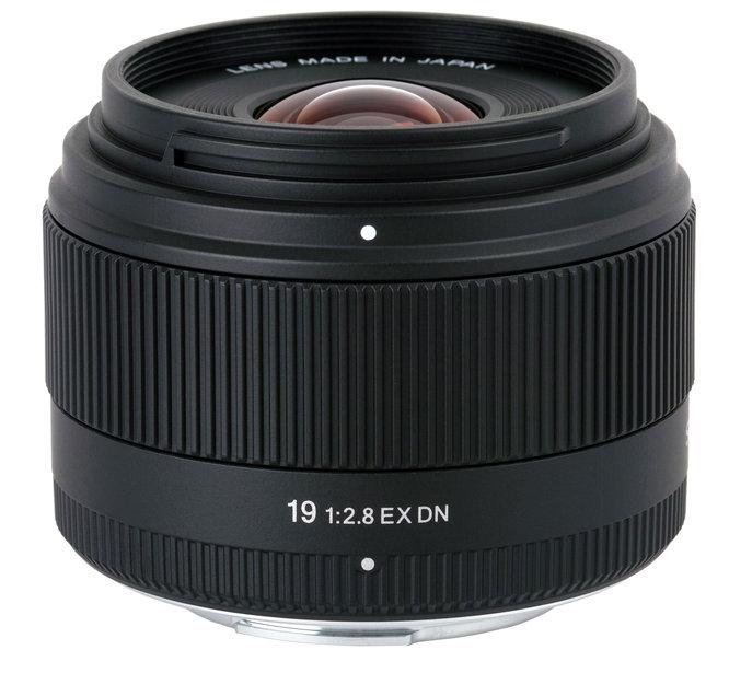 19mm f/2.8 EX DN
