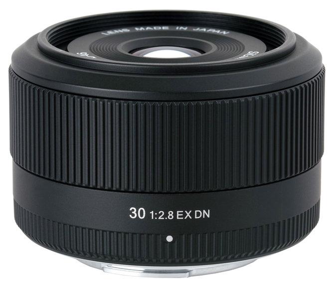 30mm f/2.8 EX DN
