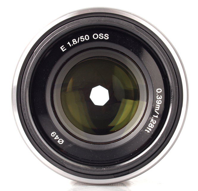 Sony E 50mm F18 Oss (1)