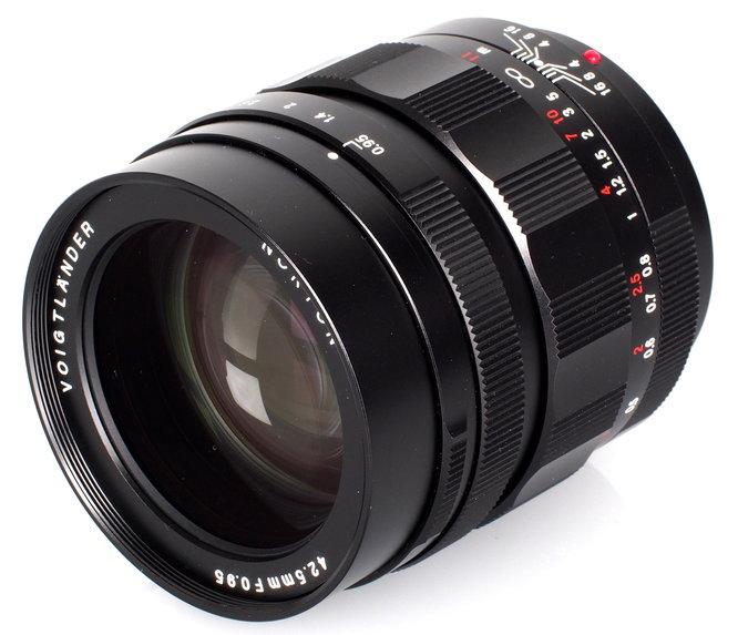 Voigtlander Nokton 42 5mm F 095 Mft Lens (5)