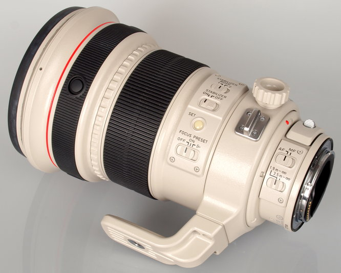 Canon EF 200mm F2 L IS USM (9)