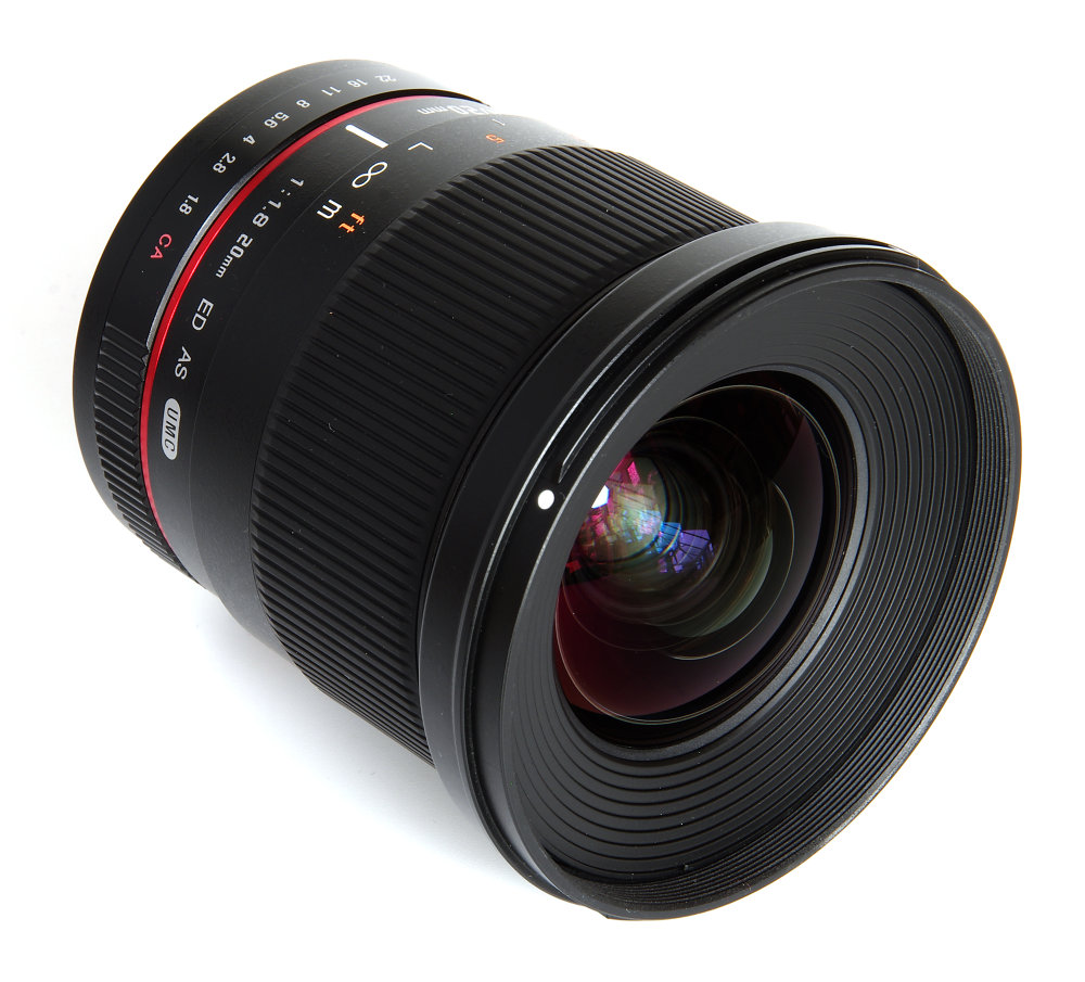 Samyang 20mm F1,8 Front Oblique View
