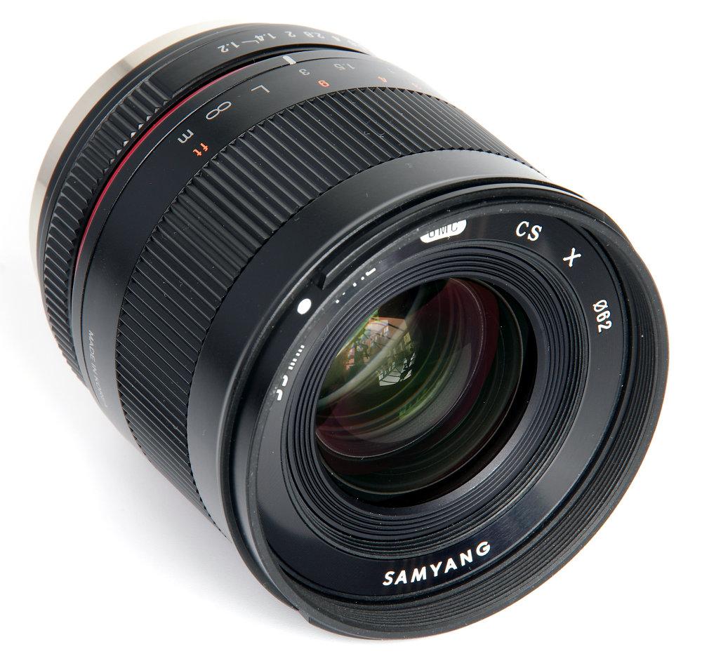 Samyang 35mm F1,2 Front Oblique View