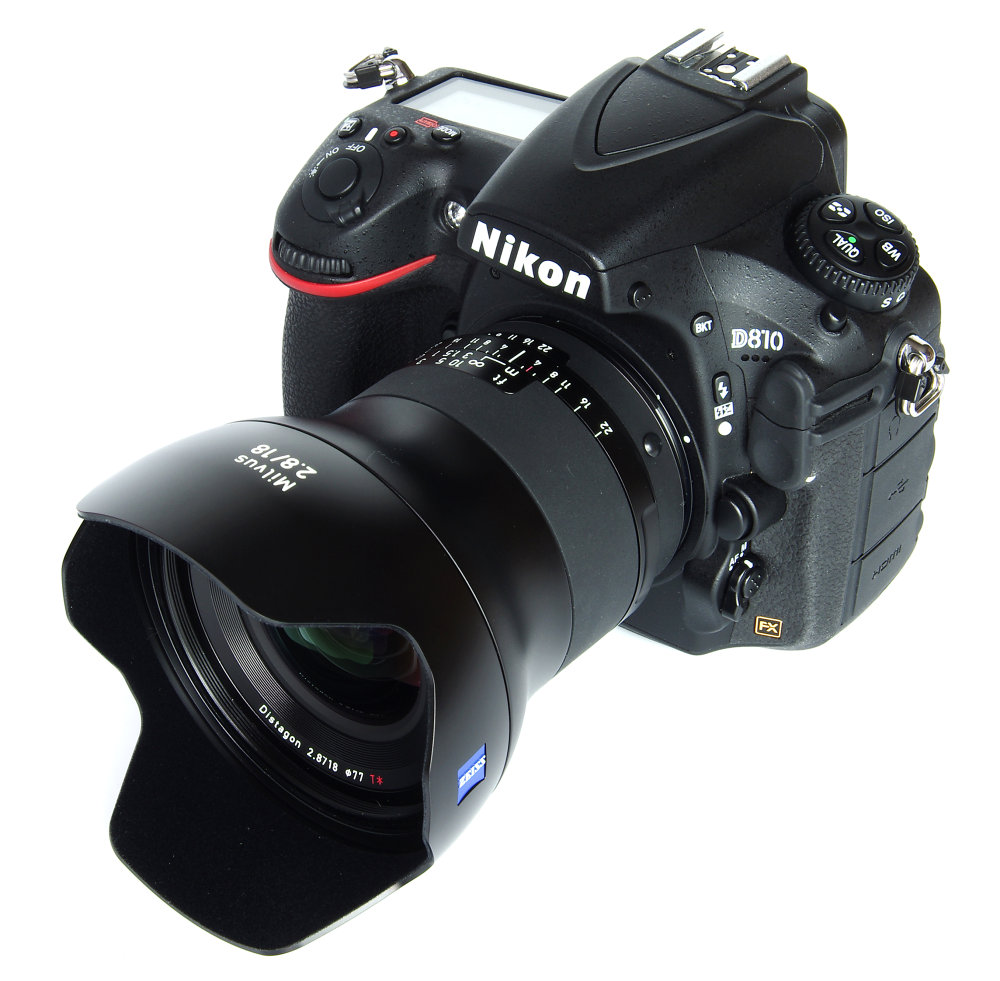 Zeiss Milvus 18mm F2,8 With Hood On Nikon D810
