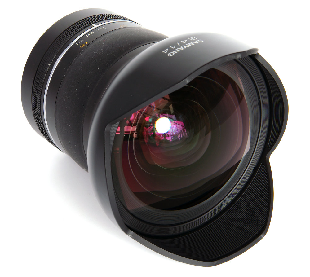 Samyang 14mm F2,4 Front Oblique View