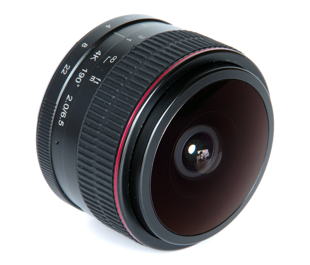 Meike 6,5mm F2 Fisheye Front Oblique View