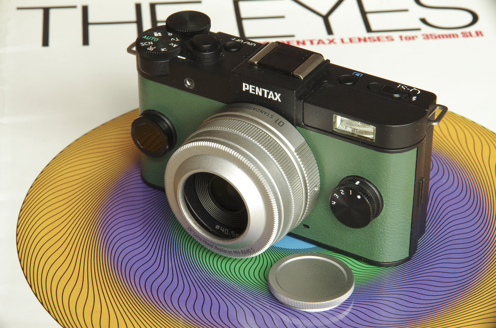 Pentax Q 01 Prime On Q S1 With Hood