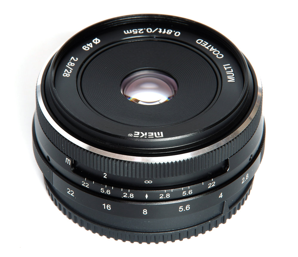 Meike 28mm F2,8 Vertical View