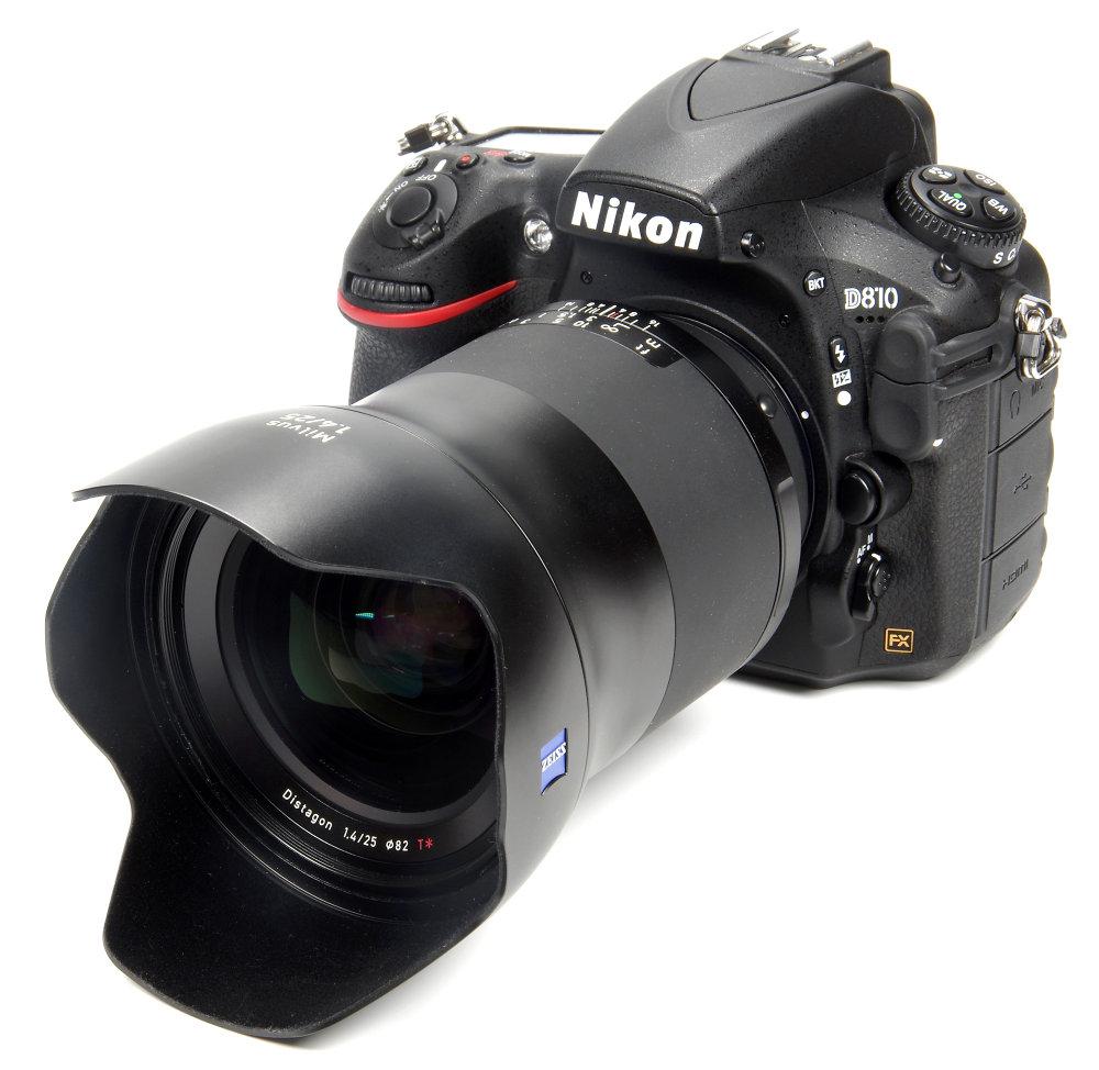Zeiss Milvus 25mm F1,4 With Hood On Nikon D810