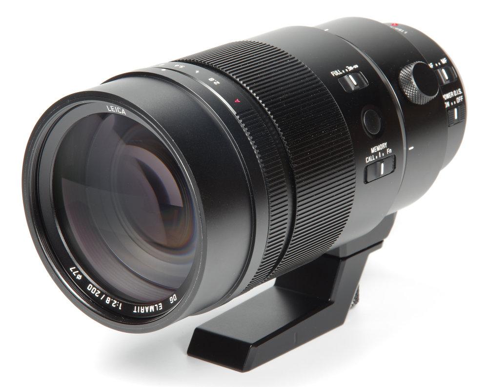 Panasonic Leica 200mm F2,8 Front Oblique View
