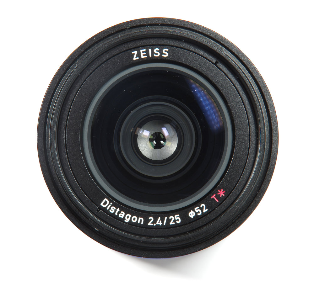 Zeiss Loxia 25mm F2,4 Front Element View