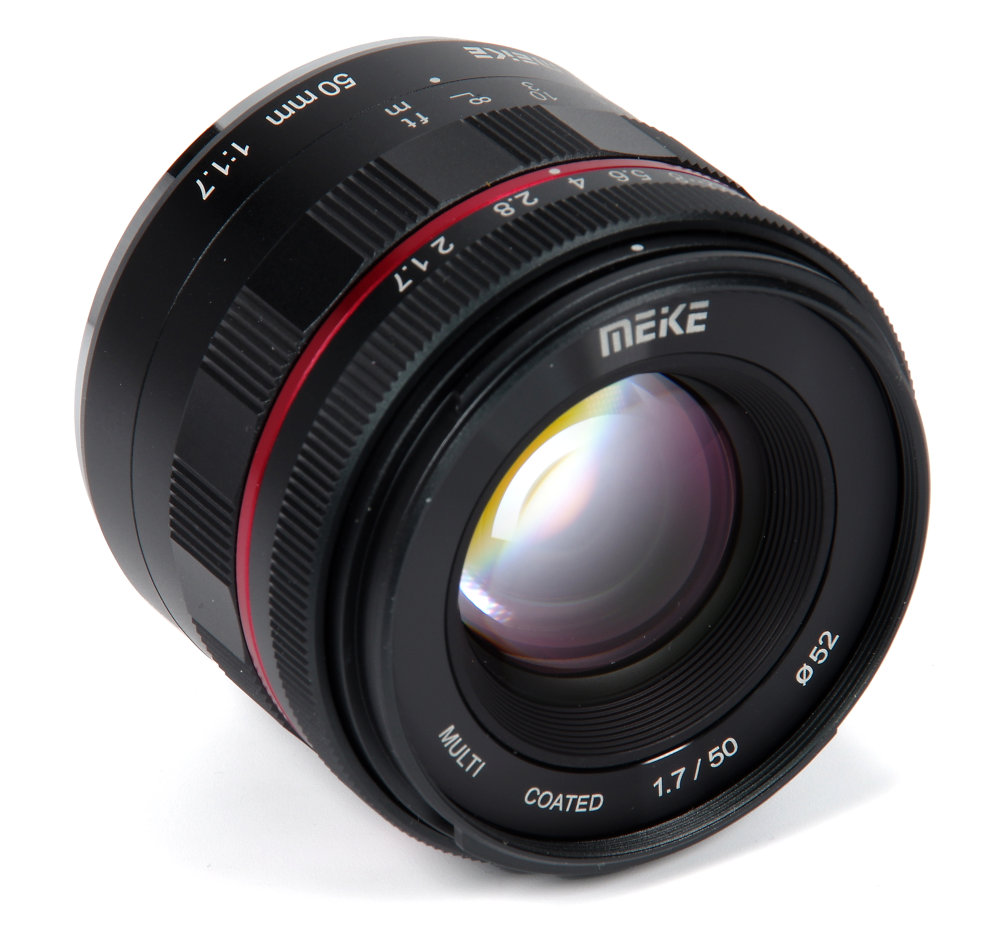 Meike 50mm F1,7 Front Oblique View